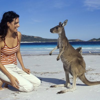 New online visa system to draw 300,000 Indian tourists to Australia in 2017